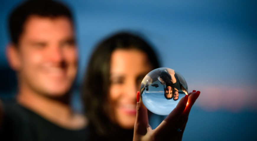 sunset-private-shoot-couple-magnetic-island-lensball